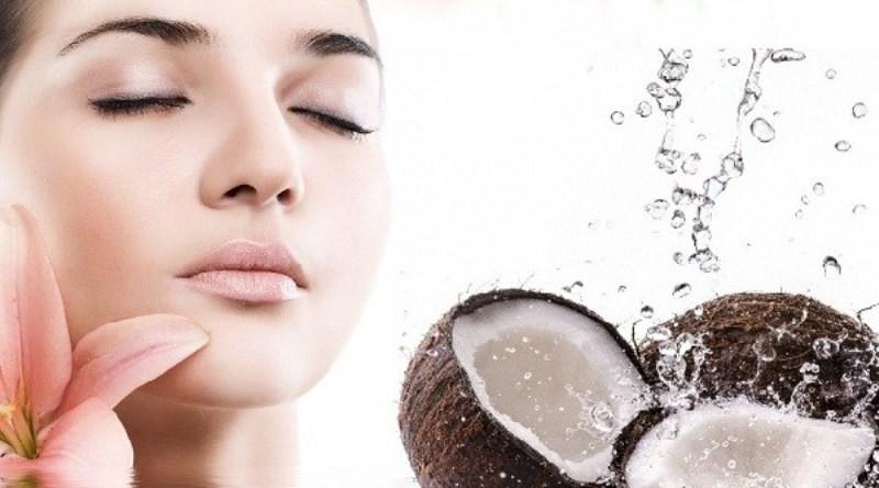 manfaat air kelapa untuk wajah