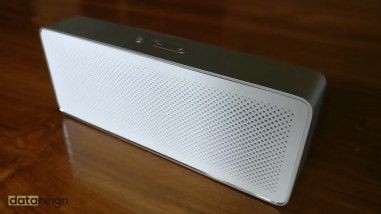 Mi Bluetooth Speaker Basic 2 Review - Front speaker grill