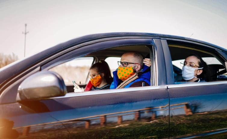 Mask-Wearing-And-Windows-Open-Will-Reduce-COVID-Risk-In-Cars2-1