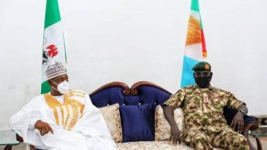 Photo of Buratai hails Zulum's support for Nigerian Army