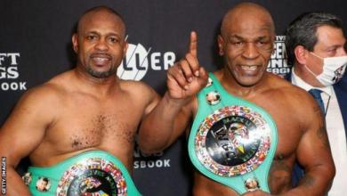 Photo of Mike Tyson and Roy Jones Jr share an engaging draw in 'exhibition' bout