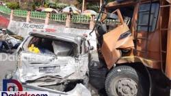 Kecelakaan-di-Lembah-Anai,-12-Korban-Dilarikan-ke-RS
