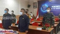 Bupati Mentawai saat rakor virtual bersama Forkopimda Mentawai, Senin (17/5). untuk terus memaksimalkan upaya cegah Covid-19 di Mentawai.