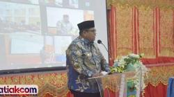 Bupati Padangpariaman, Suhatri Bur saat launching UMKM Padangpariaman go online di Hall IKK Padangpariaman, Kamis (29/4).