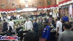 fraksi di DPRD Kabupaten Solok terbagi 2