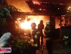 Kawasan Asrama TNI AD Cengkeh Kebakaran, 10 Rumah Hangus