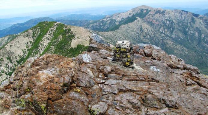 cumbre horcon piedra
