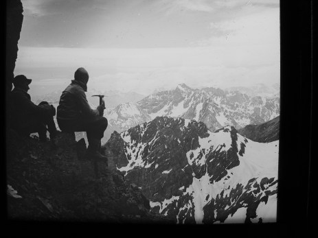 Foto del primer ascenso al Morado en 1933