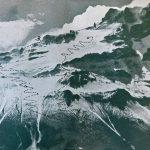 Cara Noroeste del Aconcagua con la ruta de ascenso, así como también el intento por el gran acarreo. 1 = Campamento del montañista desconocido 2 = Nido de Cóndores 3 = Campamento Link Foto de Lottar Herold