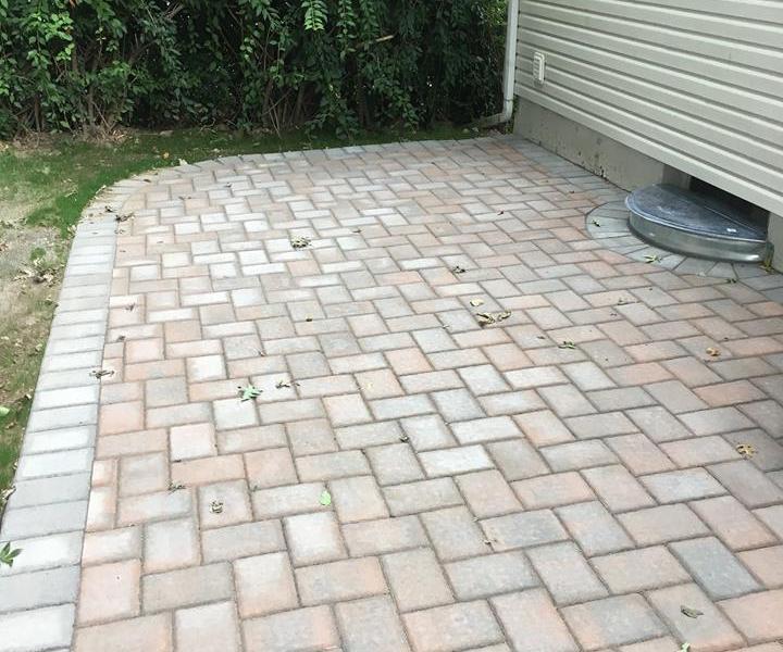 backyard_patio_and_walkway
