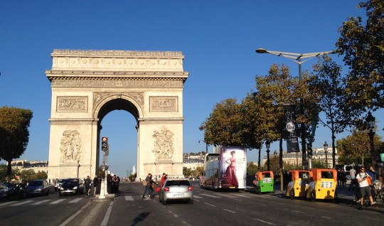 arc de tripmphe in october