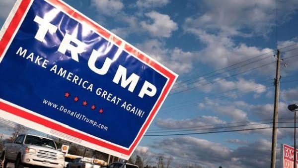trump-road-sign