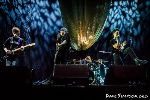 Openside live at the Vector Arena supporting Ellie Goulding