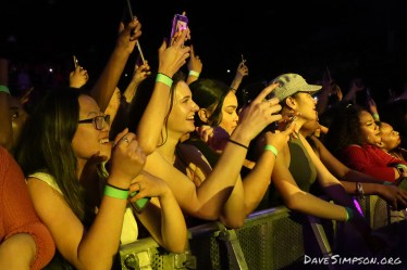 AUCKLAND, NEW ZEALAND - NOVEMBER 03: Fans watch Trey Songz perform on stage at the Logan Campbell Centre on November 3, 2018 in Auckland, New Zealand. (Photo by Dave Simpson/WireImage)