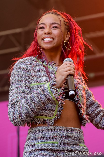 AUCKLAND, NEW ZEALAND - JANUARY 28: Ravyn Lenae performs on stage at St Jerome's Laneway Festival on January 28, 2019 in Auckland, New Zealand. (Photo by Dave Simpson/WireImage)