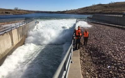 Flood gates still open on Oahe Dam