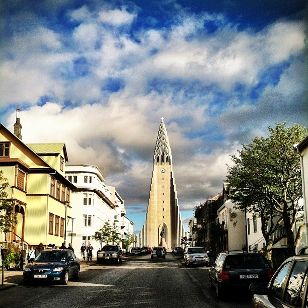 One more of Hallgrímskirkja from the street.
