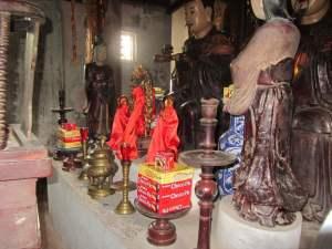 Ngo Quyen Temple