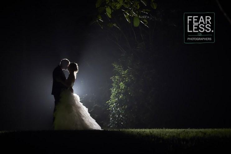 bruid bruidegom avond park
