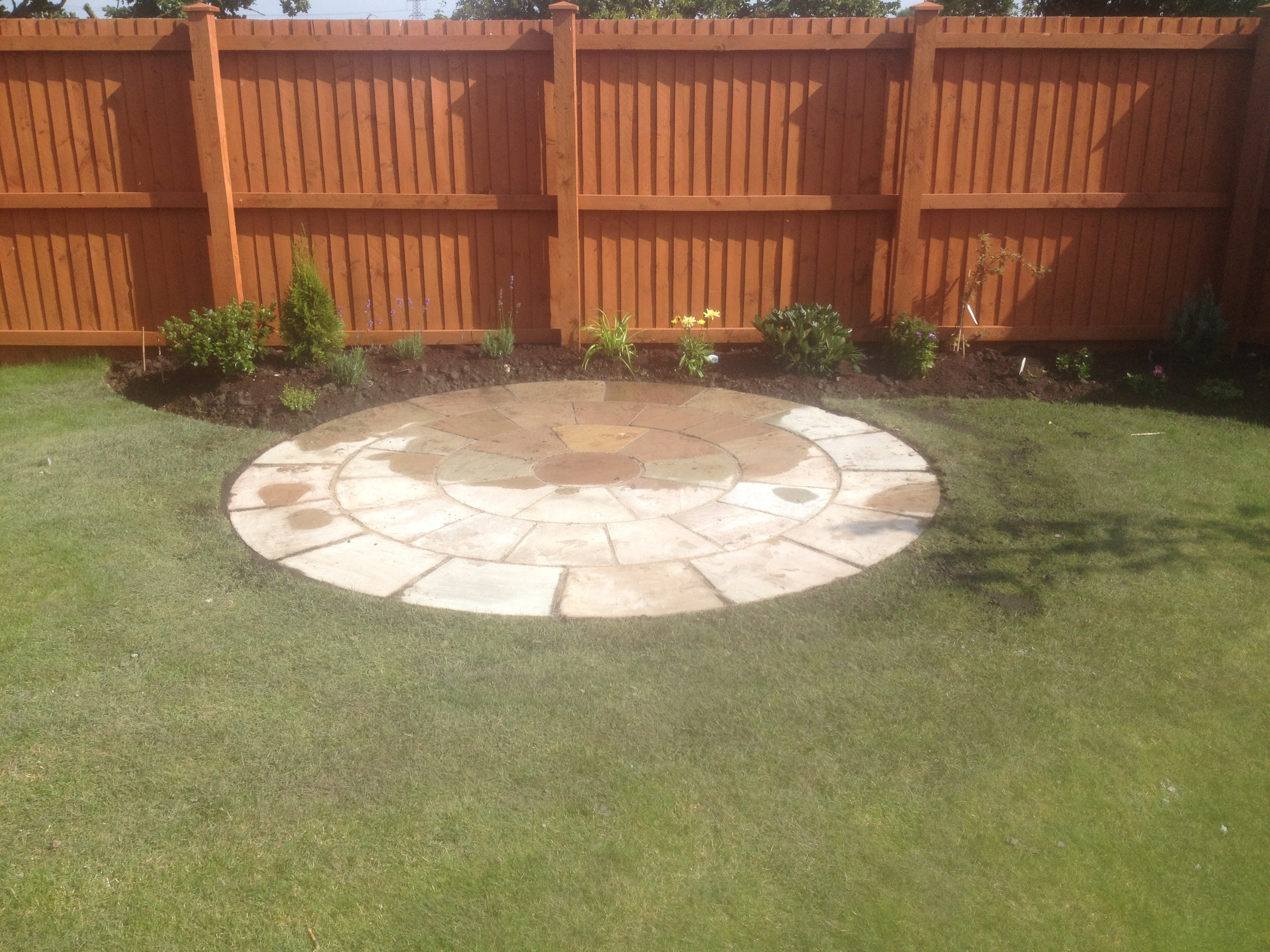 A simple paving circle