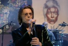 David Bowie – Ashes To Ashes (Later With Jools, 1999)