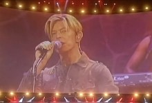 David Bowie – Fashion (Fashion Rocks, Royal Albert Hall, London, 2003)