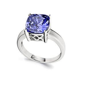 Tanzanite-ring_Essentials-collection