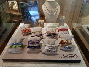 Find The Henderson Collection by Lecil at David Craig Jewelers