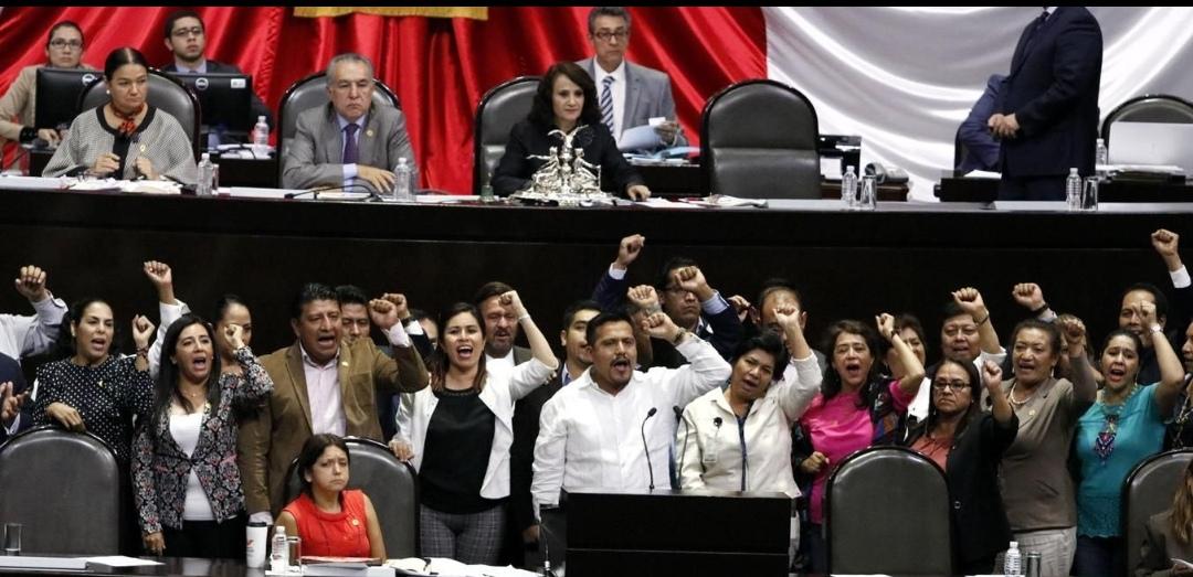 El CNTE avanza; Morena elimina evaluación docente