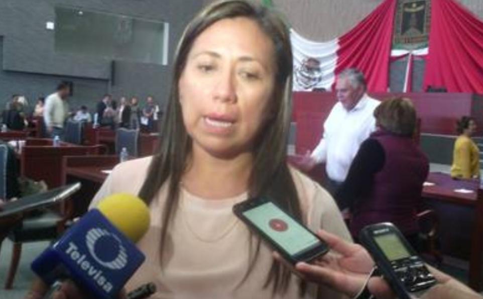 Exhortan a Cuauhtémoc Blanco a conducirse con legalidad