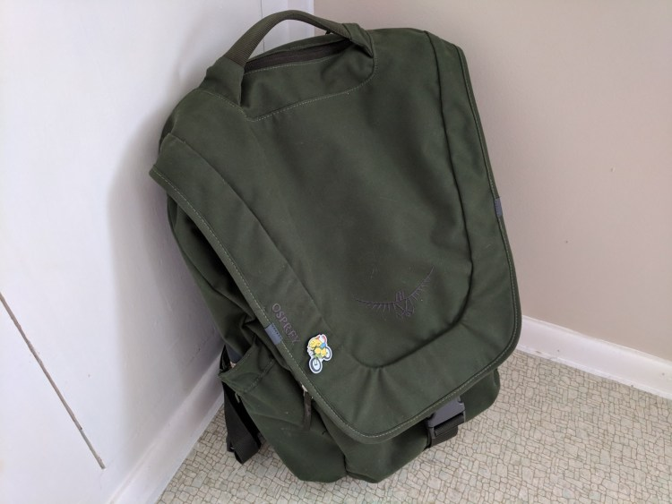 Osprey Flapjack Backpack with single wapuu pin