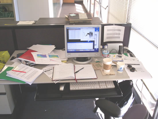 Typical Graduate Student s Desk   David Pace typical desk of graduate student