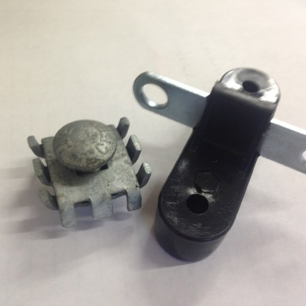 ELECTRIC FENCE SCREW ON ANCHOR INSULATOR-0