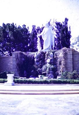 Forest Lawn - Christus Garden
