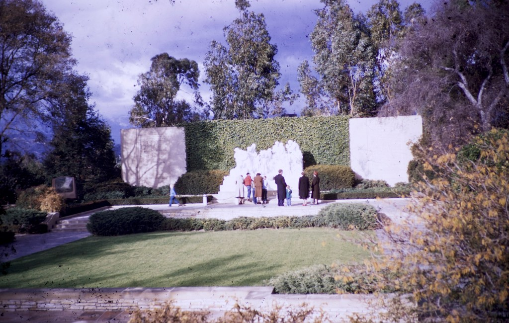 Forest Lawn – Mystery of Life Garden