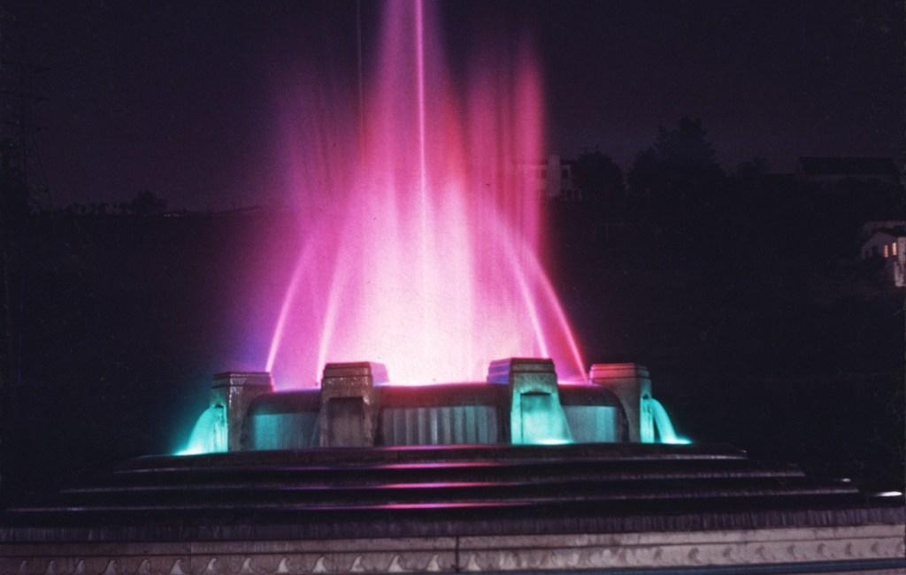 Hollywood – Mulholland Fountain