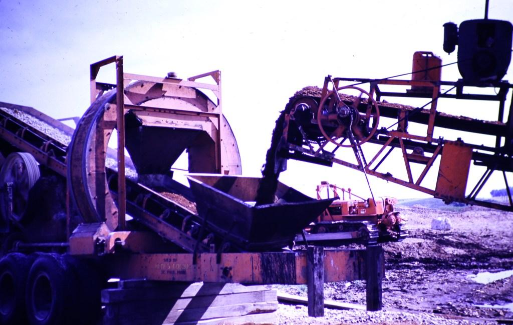 Hutchinson, Minnesota – Bulldozer