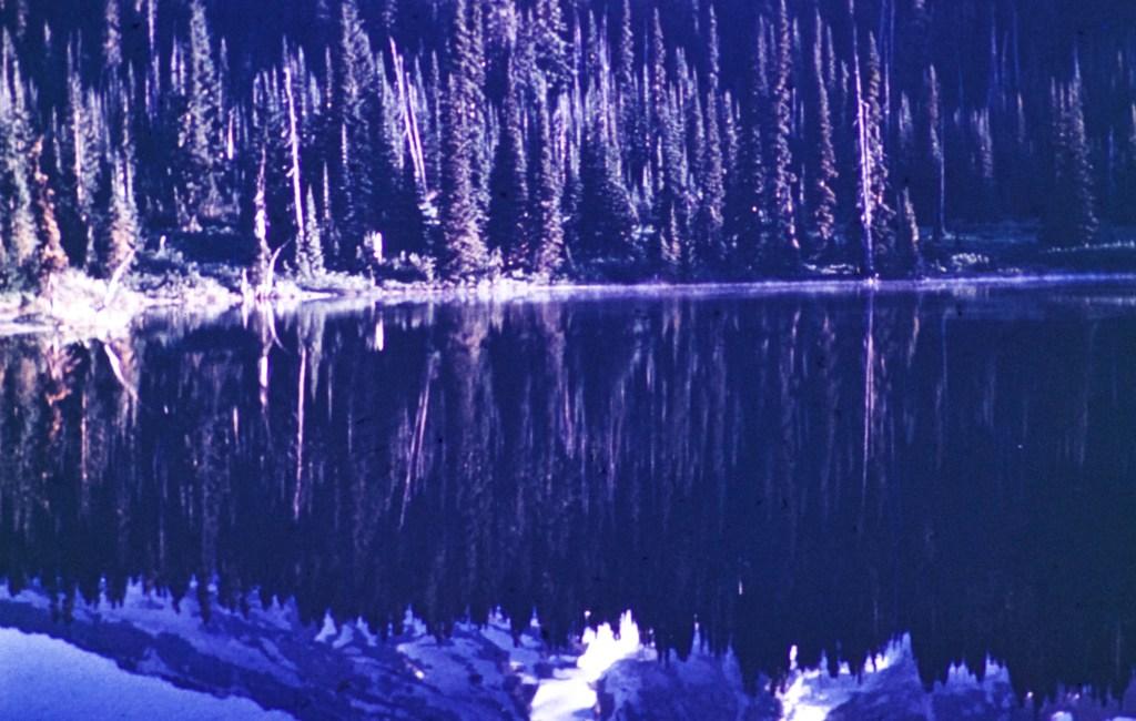 Mount Rainier – Reflection in lake