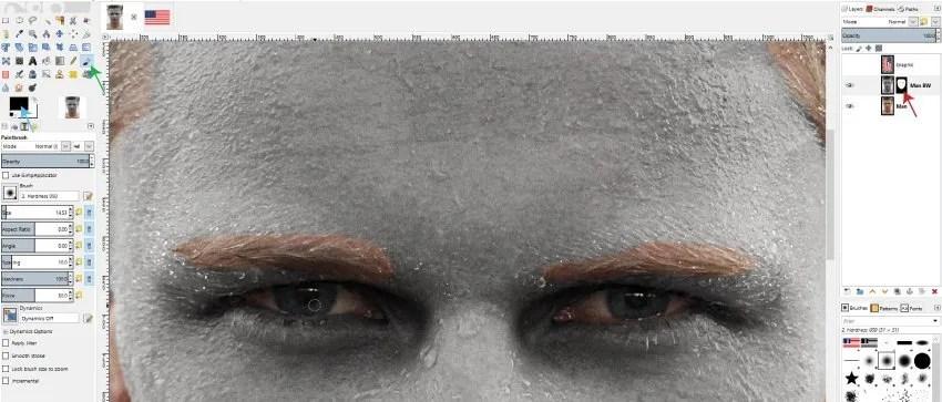 Obojite obrve i oči na sloju maske