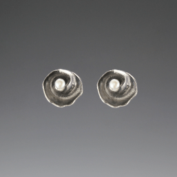DaVine Jewelry, Dark Silver Inner Shell Spiral and Freshwater Pearl Post Earrings