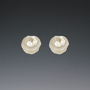 DaVine Jewelry, Silver Inner Shell Spiral and Freshwater Pearl Post Earrings