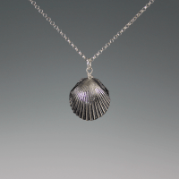 DaVine Jewelry - Dark Silver Shell Pearl Necklace