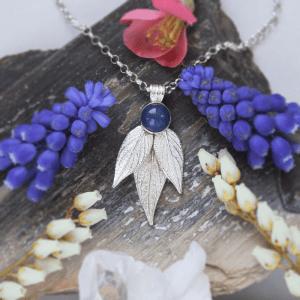 DaVine Jewelry, Silver Pineapple Sage Leavesand Blue Onyx Stone Pendant