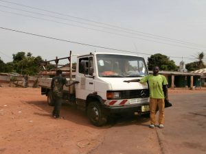 omar-met-zijn-truck-2