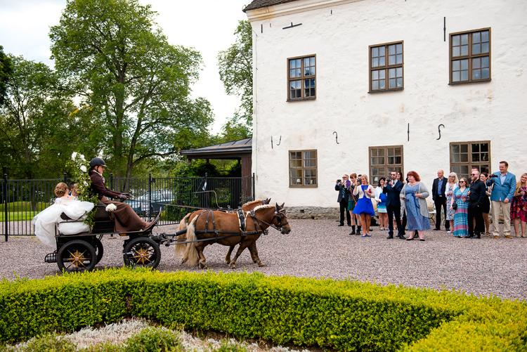 bröllop vårdnäs kyrka_bröllopsfotograf östergötland_28