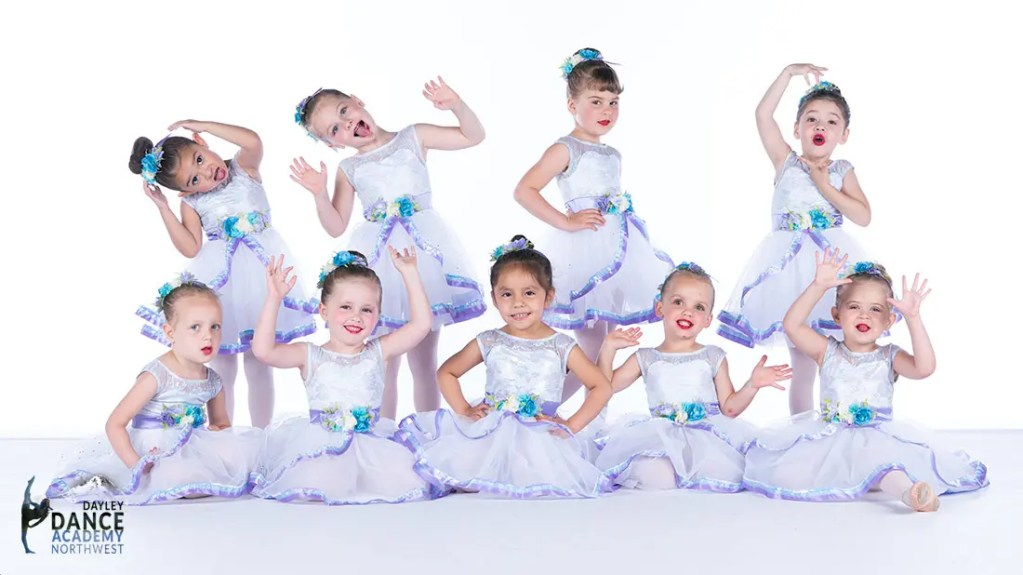 Young Dancers Ballet shining Stars