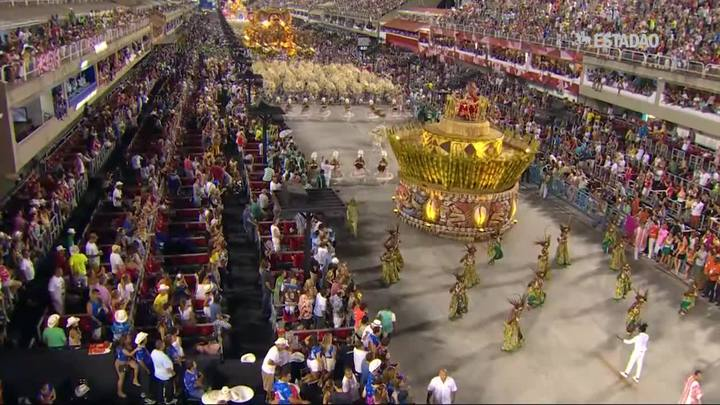 Mangueira se consagra campeã do Carnaval 2016 no Rio de Janeiro