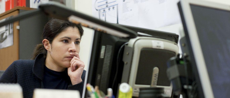 Medo e desconfiança dominam seu trabalho? Saiba controlar emoções negativas