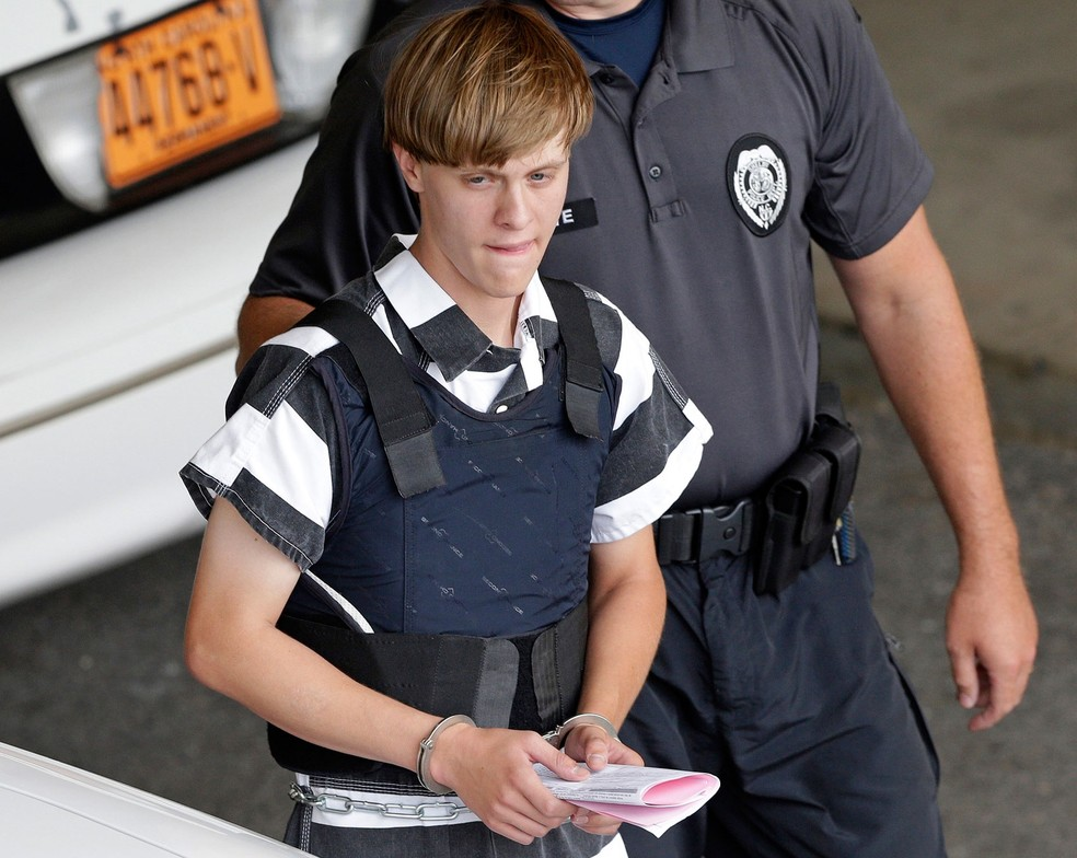 Dylann Roof é condenado à morte por matar negros em igreja em Charleston