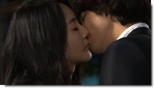 Pesquisa: 47% dos casais japoneses fazem sexo apenas uma vez por mês